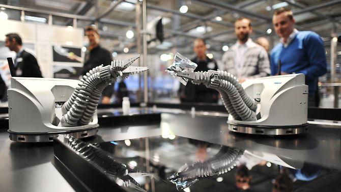 Até agora, a indústria, o robô pode captar apenas as mãos.  (Foto de Arquivo)