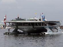Chegada em Manila, a primeira parada na Ásia.  Até agora, o catamarã já cronometrou 37,000 km.