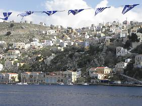 Die kleine Insel Symi bei Rhodos verfügt über eine der schönsten Hafenstädte des gesamten Mittelmeers.