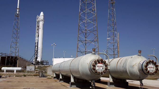 """O foguete era para trazer o navio de carga """"Dragão"""" para o ISS."""