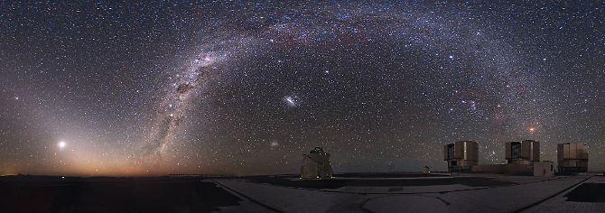 Sea Star no Very Large Telescope (VLT), em Cerro Paranal, no Chile, durante o eclipse lunar total de 21  Dezembro de 2010.