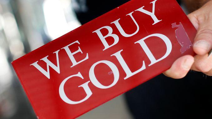 Schild in einem Juweliergeschäft in New York: Ob physisch oder in Papierform, Gold bleibt ein Investmentthema.