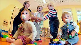 Eine verlässliche und gute Betreuung ist für Eltern noch immer wie ein Lottogewinn.